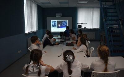 В рамках мероприятий, посвящённых 60-летию первого полёта человека в космос, ДТ «Кванториум» вновь встречает гостей, и делится лучшими инновационными новостями!